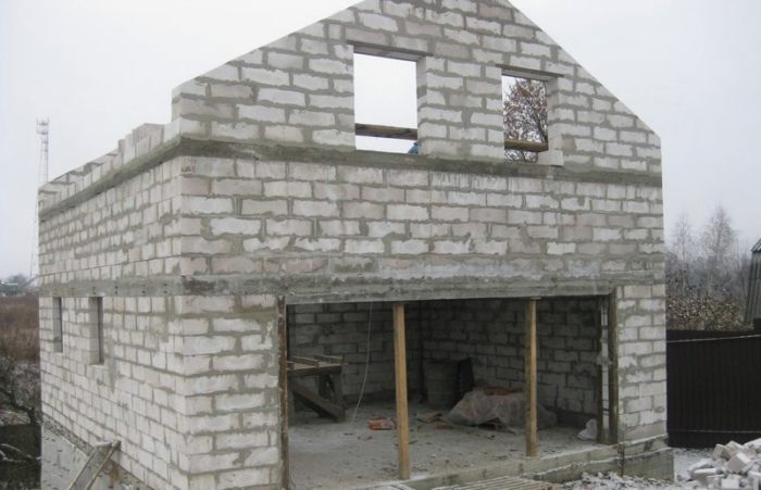 dom iz penoblokov svoimi rukami 1