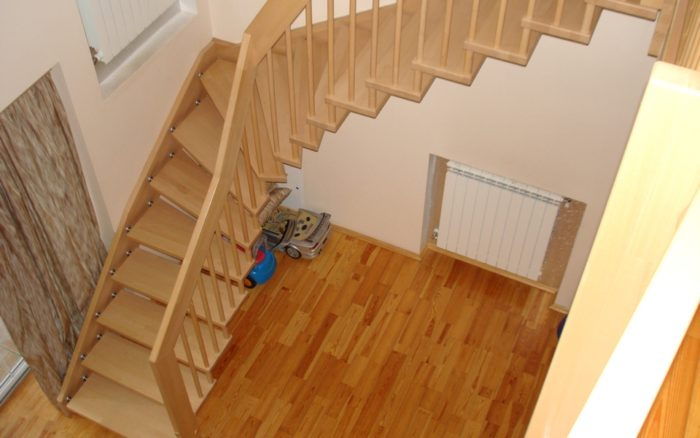 Сложная комбинированная лестница - маршевая я винтовым элементом