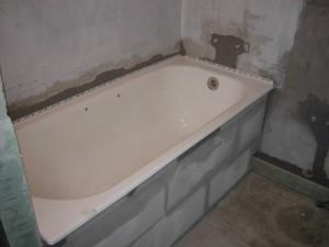 ustanovka vanny svoimi rukami 3
