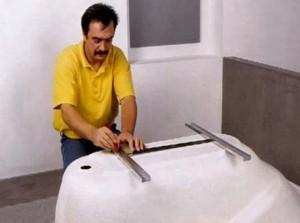 Регулировка и укрепление ванны
