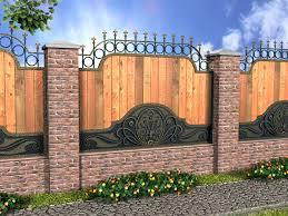 Забор из  дерева на кирпичных опорах
