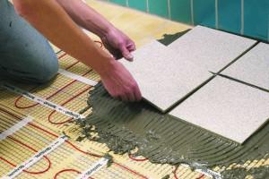 Укладка плитки на греющие маты