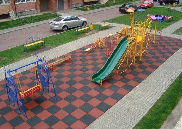 Детская площадка из резиновой тротуарной плитки