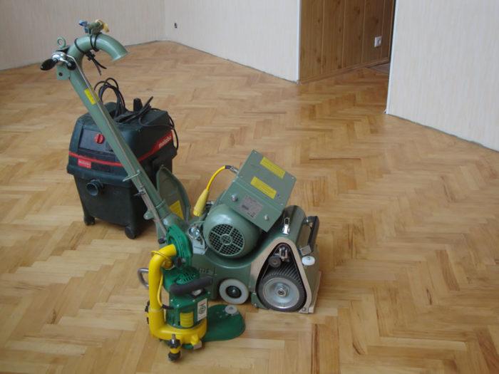 Автоматическая машинка для циклёвки пола