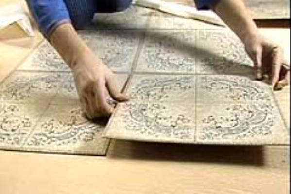 Укладка плитки напольной в прихожей