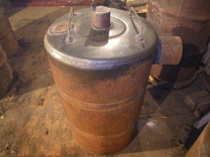 Печь длительного горения из металлической бочки