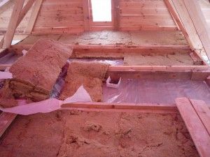 утепление потолка в бане смесью глины с опилками