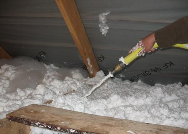 утепление банного потолка пеноизолом