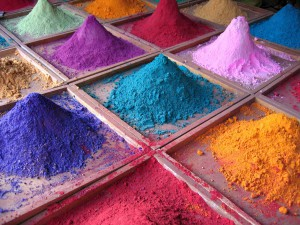 использование красителя в бетонной смеси
